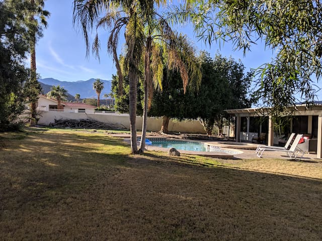Roomy, Tranquil Home in Cathedral City Cove