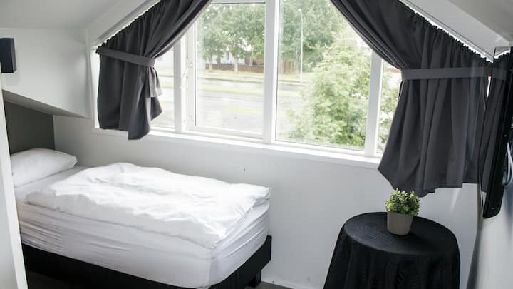 A Nice Single Room in Akureyri