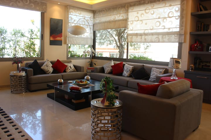 Modern Two Bedroom Apartment near ABC Mall