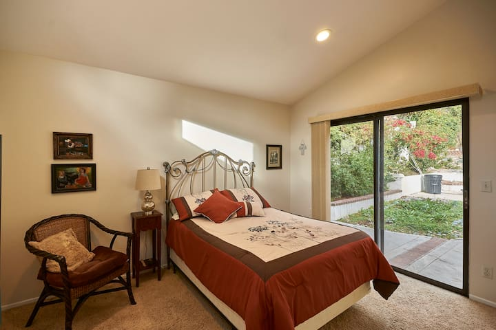 Cozy Beach Cottage Room - Dana Point - 단독주택