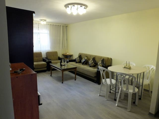 Fully renovated 2BD in Holon - 10min from Tel-Aviv - Holon - Appartement