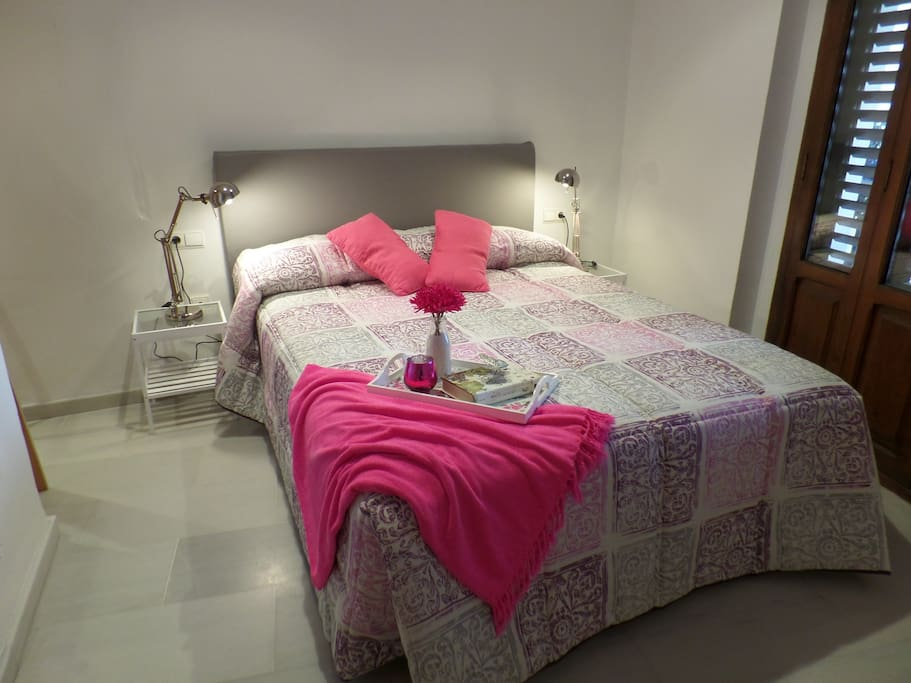 Gran cama de matrimonio
