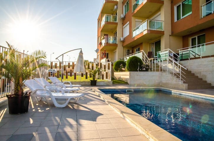Cozy family apartments 300m from Byala beach