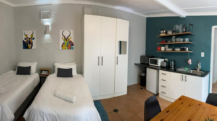 Tropical self-catering guest suite in Durban