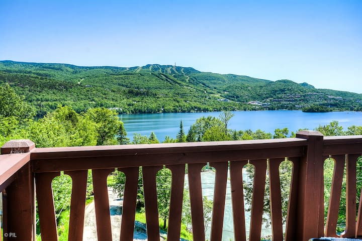 Lakeside Mont-Tremblant Retreat