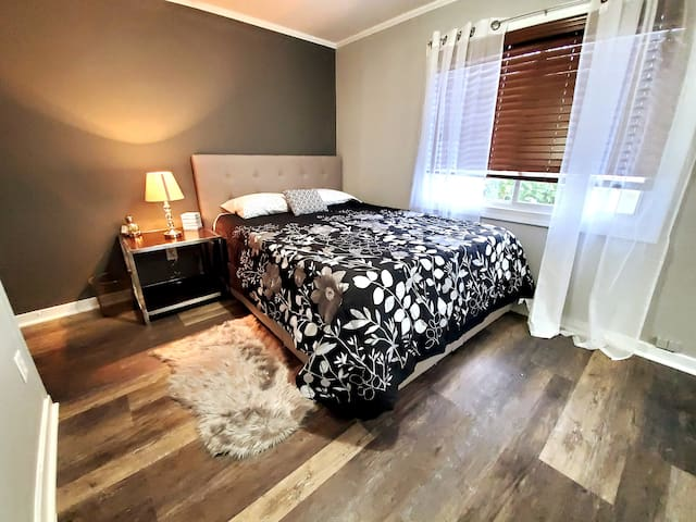 Waterfront/Queen Bed/Private-Room/NoCleaningFee
