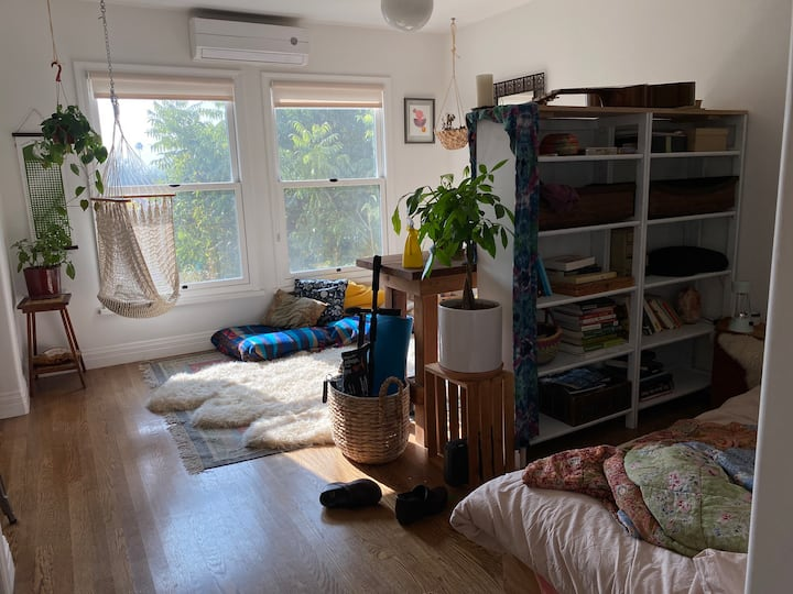 Bright + Creative Solo Space (Month Sublet)