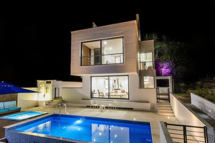 Habitación en espectacular casa campestre La Vega - La Vega