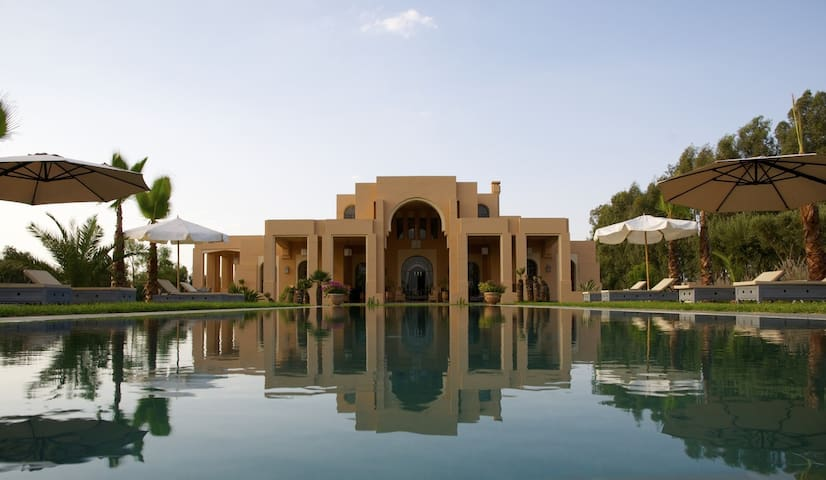 Luxurious home at the feet of Atlas Mountains - Marrakech