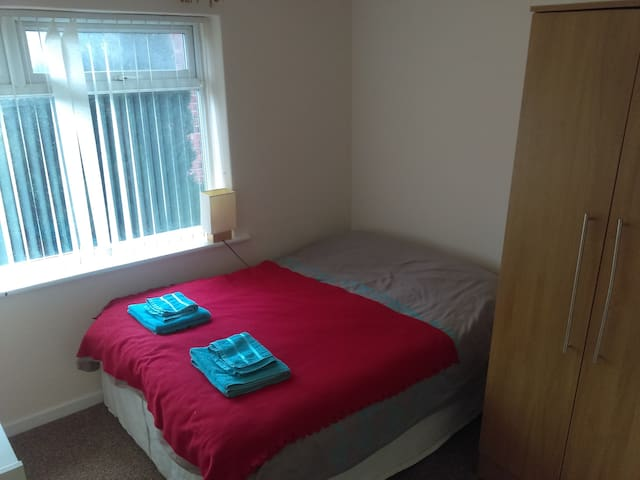 Lovely room for travellers close to Durham center - Durham - Casa