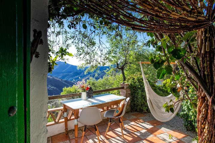 Romantic Casita nestled in south side of Comares