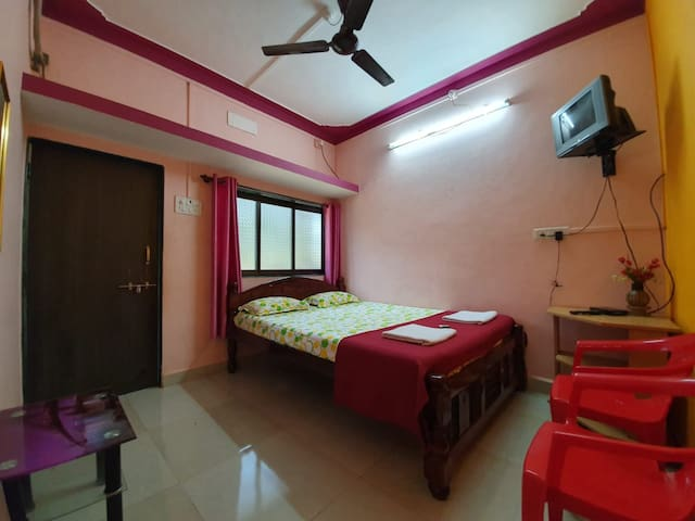 SERINA HOUSE (AC Rooms With Free Breakfast & Wifi)