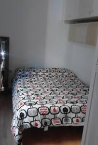 Room in beach flat barceloneta