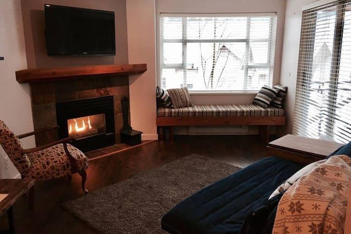 Homelike 1 bedroom + den Whistler condo * - Whistler - Leilighet