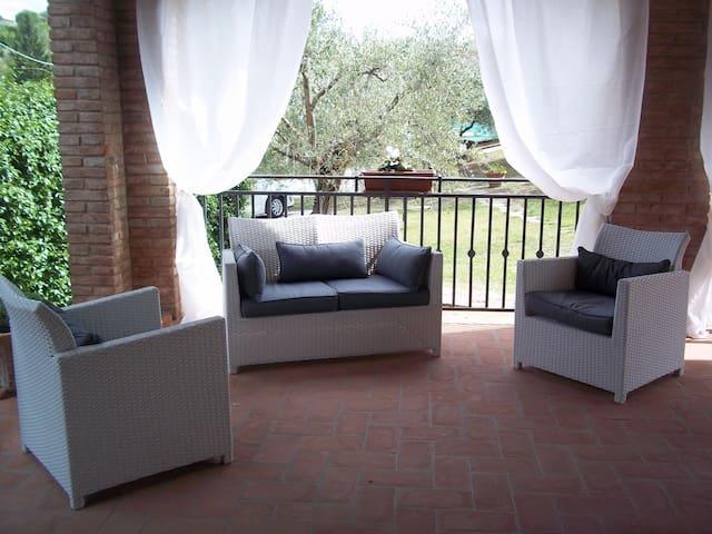 Bellissima villa stile Toscano in ottima posizione - Stefanini - Villa