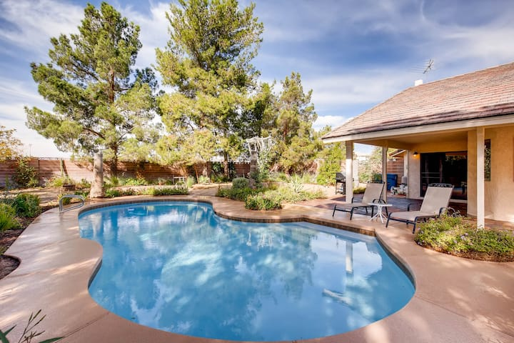 Gorgeous Four Bedrooms Home with Pool/Hot Tub