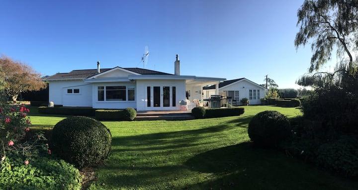 Te Horo Garden Cottage
