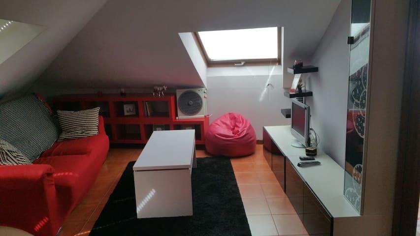 Estudio nuevo y barato, casco viejo cangas - Cangas - Apartment