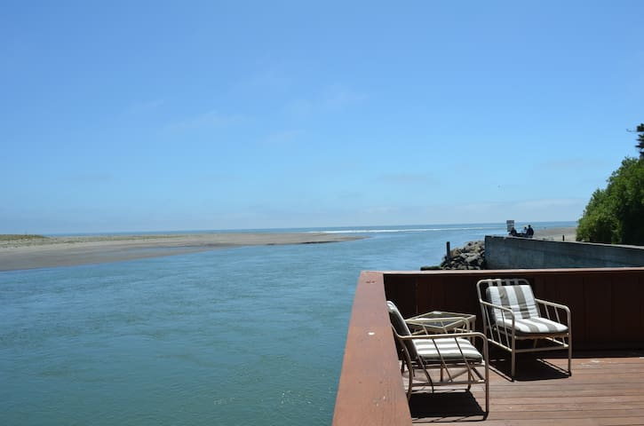 Best View in Bolinas!  Steps away from the beach - Bolinas - House