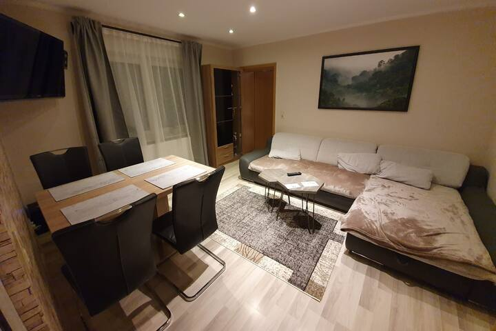 Lichtdurchflutete separate 4-Raum Wohnung
