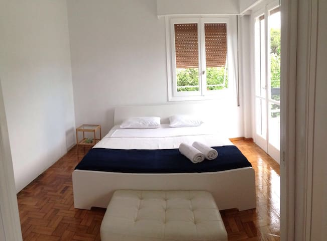 Newly Renovated App 200m from the sea - Voula - Apartment