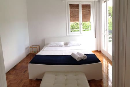 Newly Renovated App 200m from the sea - Voula - Byt