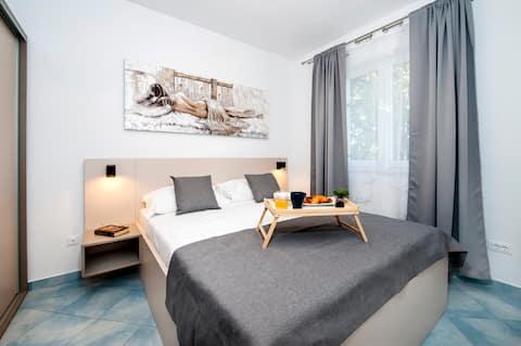 F&R Apartments II