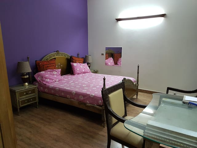 Gorgeous and affordable room in center of Lahore