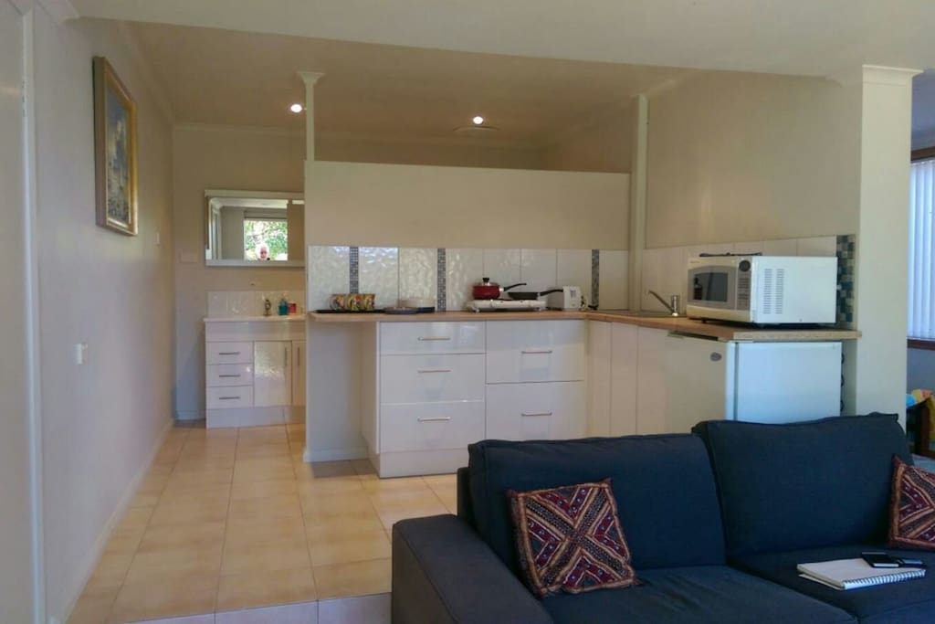 A self contained private apartment with a new , fresh, clean kitchenette.