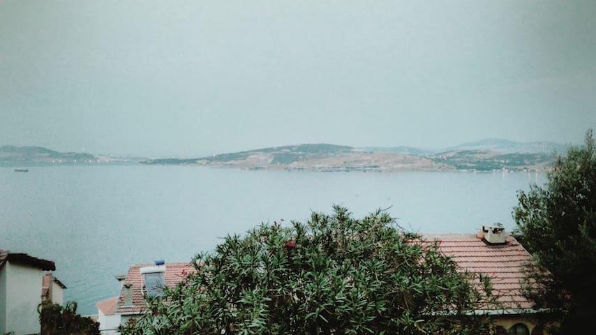 Yenifoça, Donatkent sitesinde bahçeli villa - Yenifoça - Willa