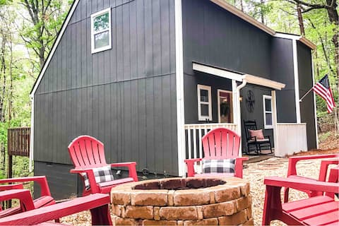 Boho Style Cottage, 5 min to Wineries w/Fire Pit