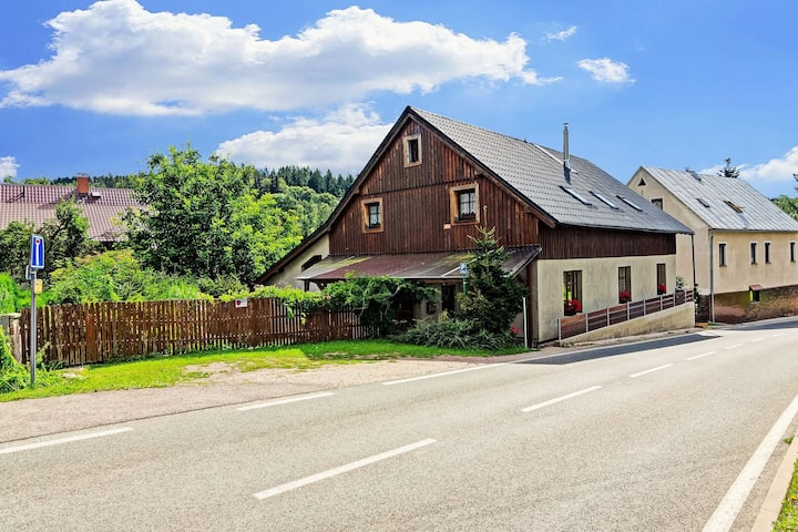 Lavish Cottage near Ski area in Cerny Dul