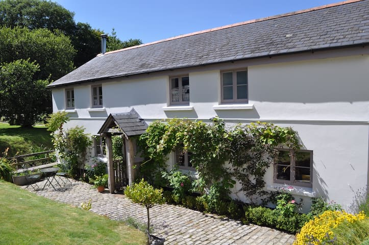 3 Bedroomed detached Cottage in 16 acres - Callington - Rumah