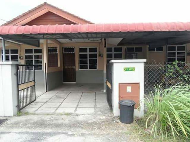 3 bedroom house in kuala terengganu - Kuala Terengganu - Huis