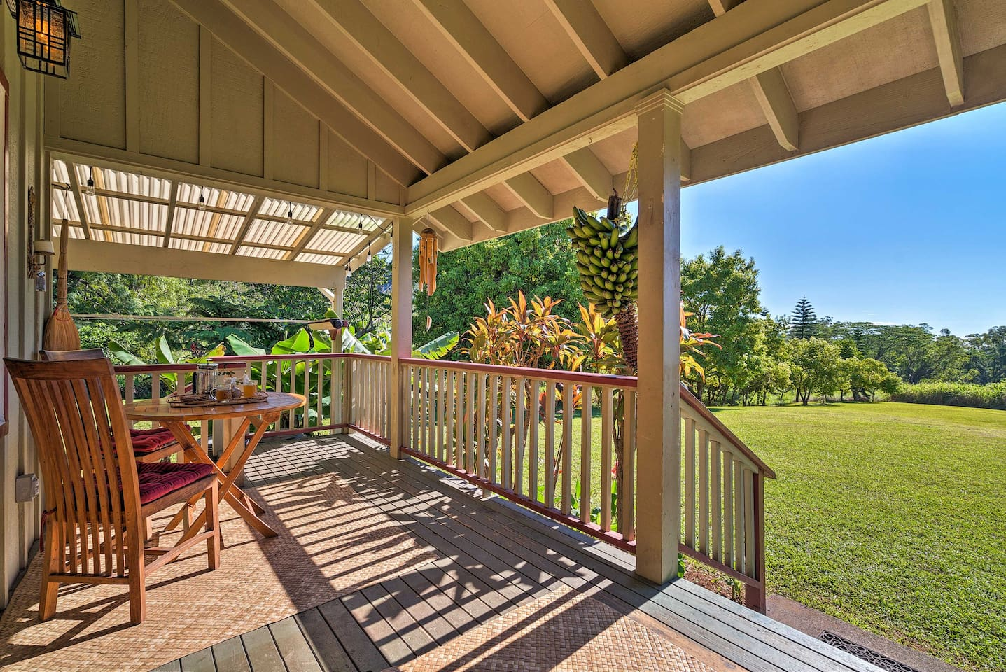 Experience the beauty of Hawaii from this Pahala vacation rental cottage.