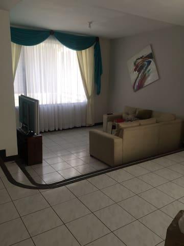 Casa Curridabat
