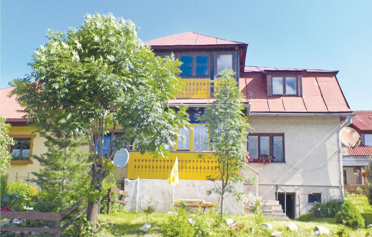 Semi-Detached with 1 bedroom on 85 m² in Zdiar