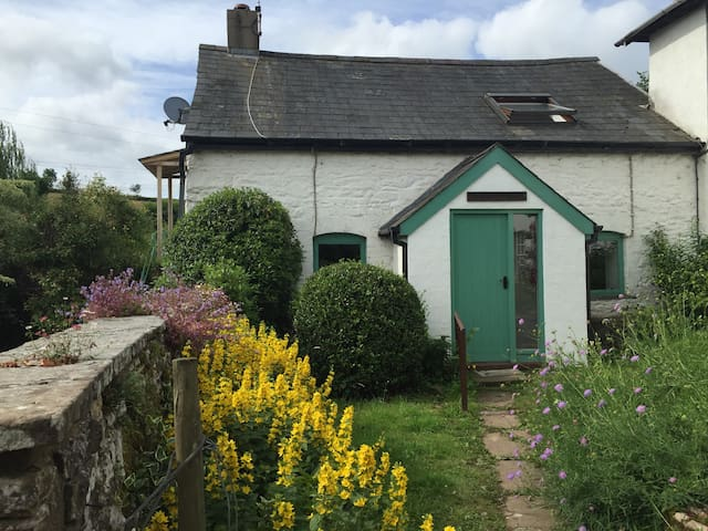 The Bakehouse cottage on an organic farm - Monmouthshire - Casa