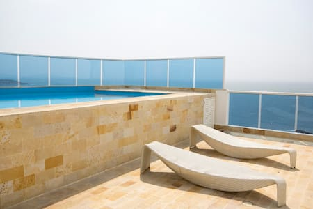Penthouse with Private Pool and Ocean View 1803