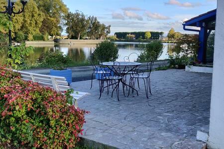 Grand T3 avec piscine et terrasse, berges Adour