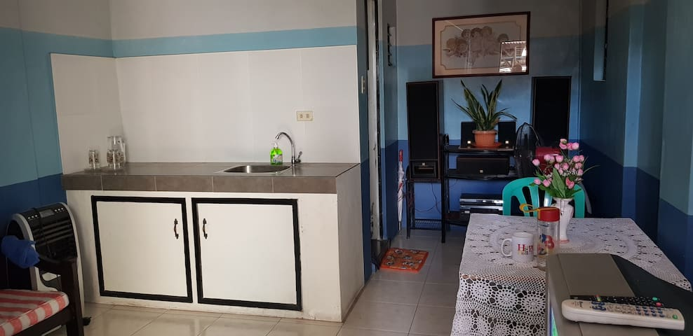 Affordable Room at the Heart of Marikina w/ wifi