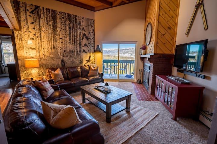 Beautiful 2 BR/2 Bath+Loft Treehouse Condo Retreat - Silverthorne - Apartament