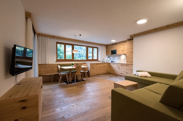 Holiday Apartment with Garden, Terrace and Wi-Fi near many Ski Resorts
