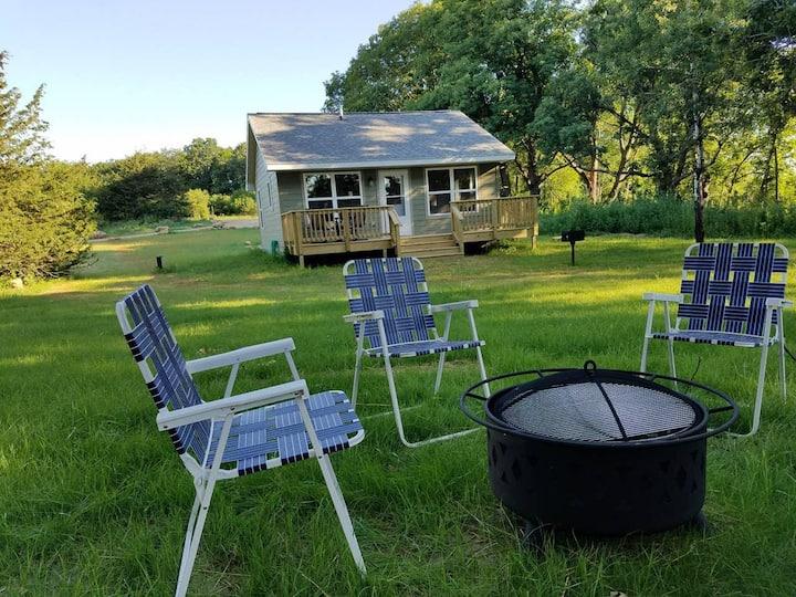 Cabin #3 Retreat & Escape - Lake Views!!