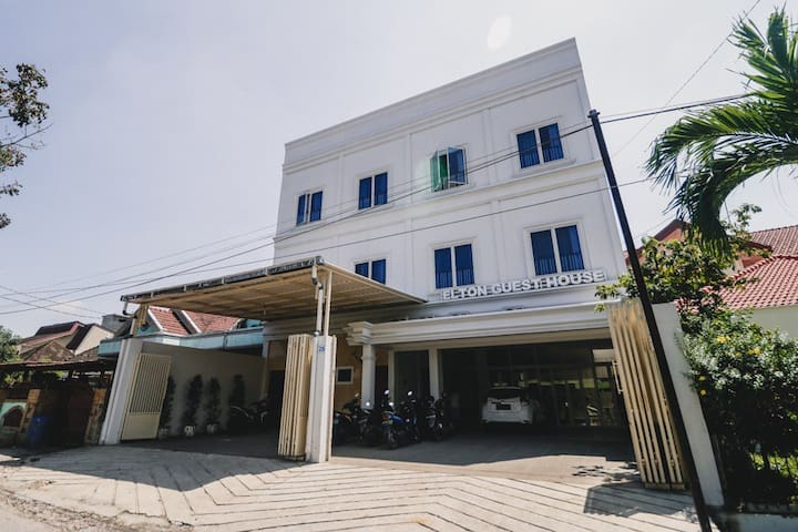1BR at Guest House in Medan City 1 Hour to Airport
