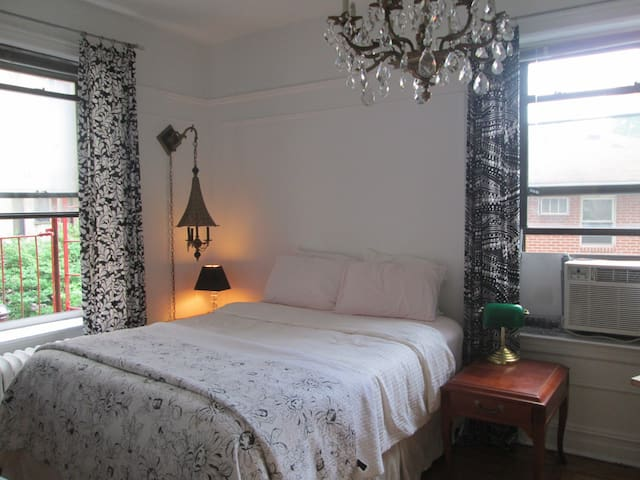 bedroom in front  prospect park sw (private)