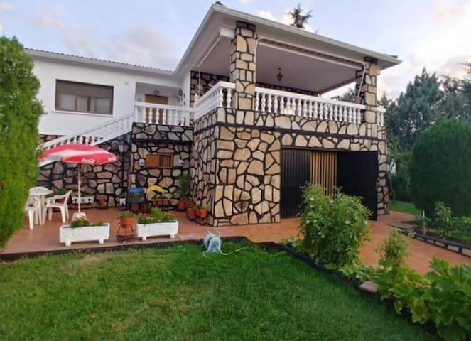 Casa confortable totalmente independiente