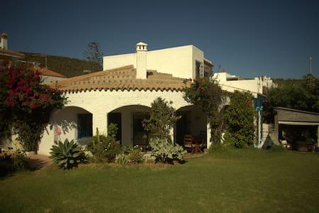 Beach Front Villa Sleeps 12 - Los Caños de Meca - 獨棟
