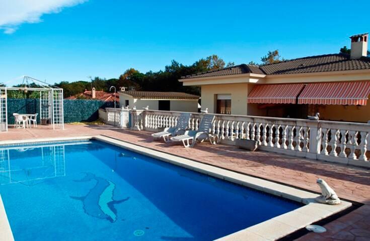 Villa Ebro Budhaholidays - Sils - Villa
