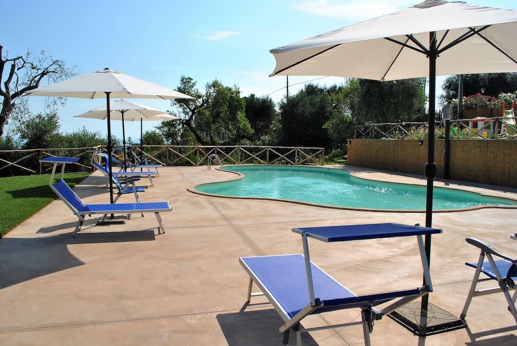 piscina comune e solarium- common swimming pool and solarium
